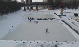 Winnipeg_Ice_Skating_Hockey